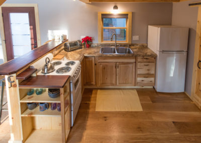 small_guest_house_kitchen